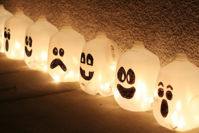 Ghost-Milk-Jug-Lanterns